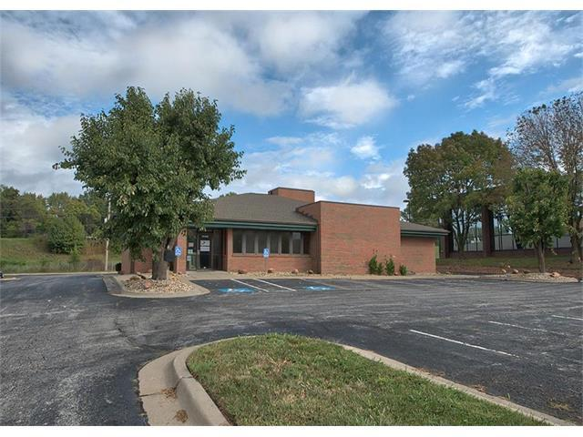 14480 E 42nd Street, Independence, MO 64055 (#2073980) :: Carrington Real Estate Services
