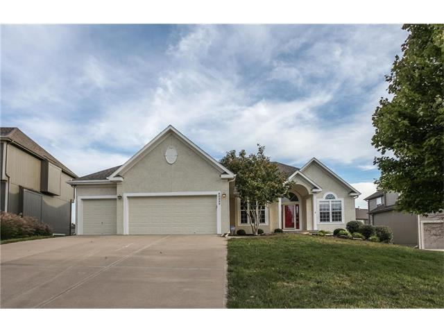 22232 W 176th Terrace, Olathe, KS 66062 (#2073989) :: Select Homes - Team Real Estate
