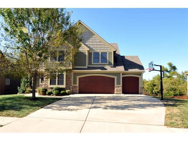 718 Danford Drive, Louisburg, KS 66053 (#2073992) :: Tradition Home Group