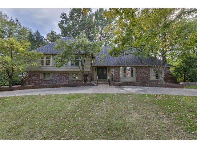2309 Arno Road, Mission Hills, KS 66208 (#2074034) :: The Shannon Lyon Group - Keller Williams Realty Partners