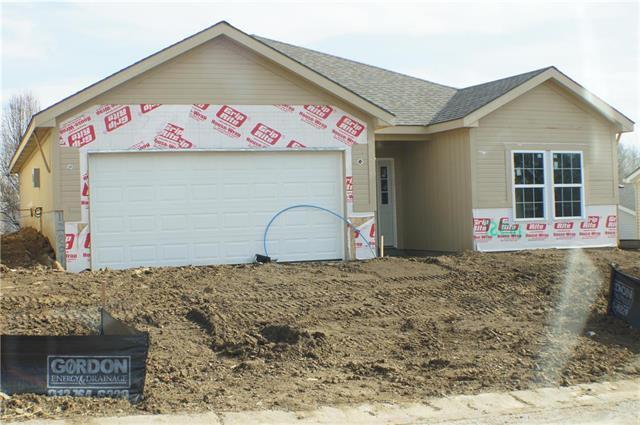 12209 N Pomona Lane, Kansas City, MO 64163 (#2074065) :: NestWork Homes
