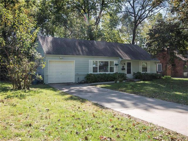 2721 W 75th Place, Prairie Village, KS 66208 (#2074084) :: The Shannon Lyon Group - Keller Williams Realty Partners