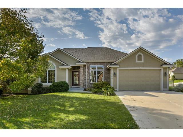 15109 Lake Side Drive, Basehor, KS 66007 (#2074123) :: Edie Waters Team
