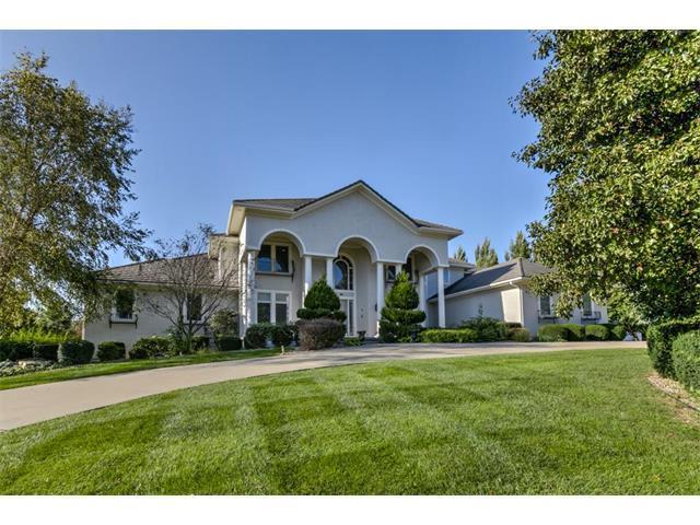 14556 Granada Circle, Leawood, KS 66224 (#2074407) :: Select Homes - Team Real Estate