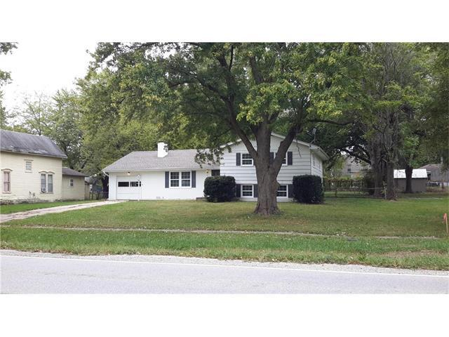 304 Center Street, Lathrop, MO 64465 (#2074439) :: Edie Waters Team