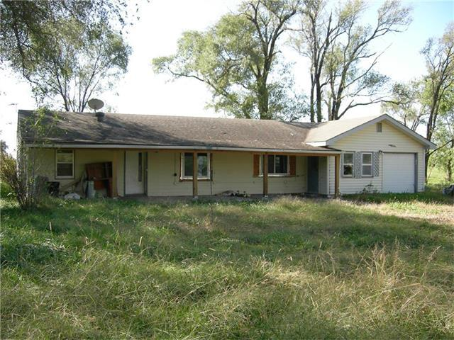 17823 Eisenhower Road, Leavenworth, KS 66048 (#2074447) :: Edie Waters Team