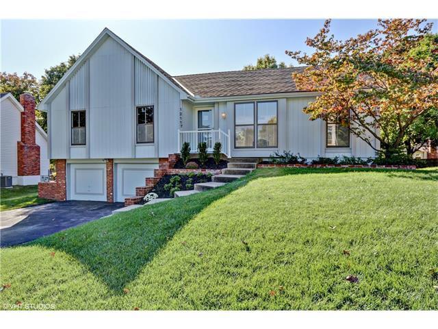 12117 W 99th Street, Lenexa, KS 66215 (#2074580) :: Select Homes - Team Real Estate
