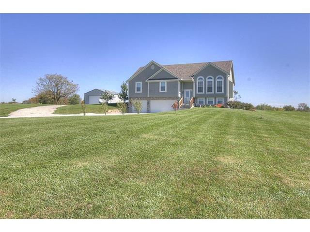 6095 SE Dittoe Lane, Holt, MO 64048 (#2074585) :: Edie Waters Team