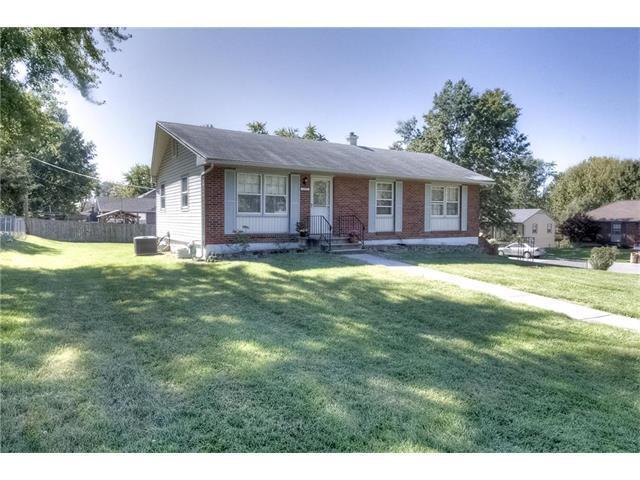 1205 NE 76th Street, Kansas City, MO 64118 (#2074615) :: Edie Waters Team