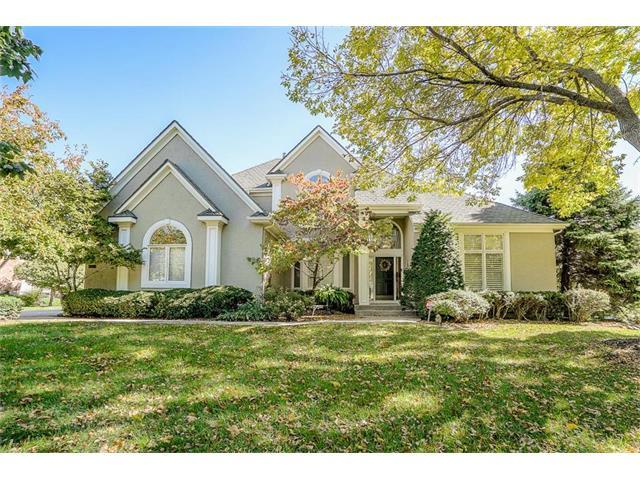 13105 Mohawk Lane, Leawood, KS 66209 (#2074634) :: Tradition Home Group