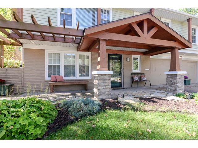 9118 Bel Air Circle, Overland Park, KS 66207 (#2074705) :: Tradition Home Group