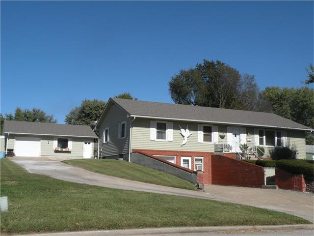 108 W 16th Street, Higginsville, MO 64037 (#2074716) :: Edie Waters Team