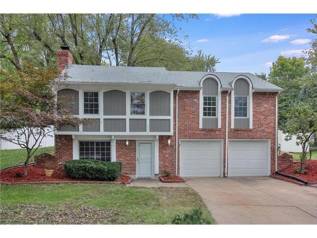 2928 NW Windsor Place, Blue Springs, MO 64015 (#2075803) :: Tradition Home Group