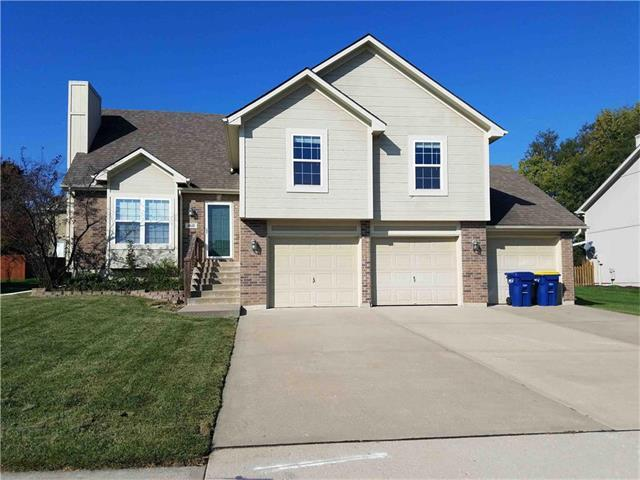 18110 N Rollins Drive, Smithville, MO 64089 (#2075815) :: Tradition Home Group