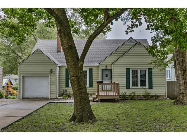 5725 Walmer Street, Mission, KS 66202 (#2075898) :: Select Homes - Team Real Estate