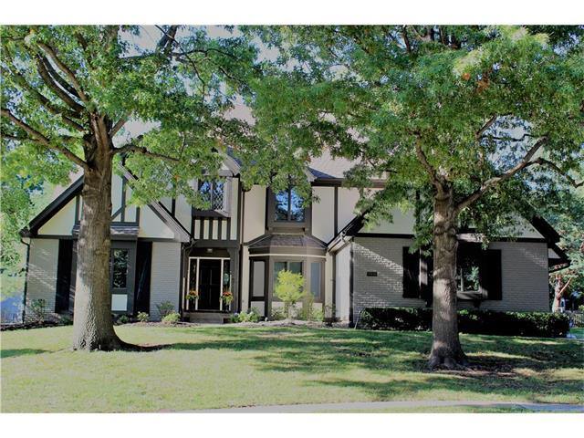 4908 W 114th Street, Leawood, KS 66211 (#2075980) :: The Shannon Lyon Group - Keller Williams Realty Partners