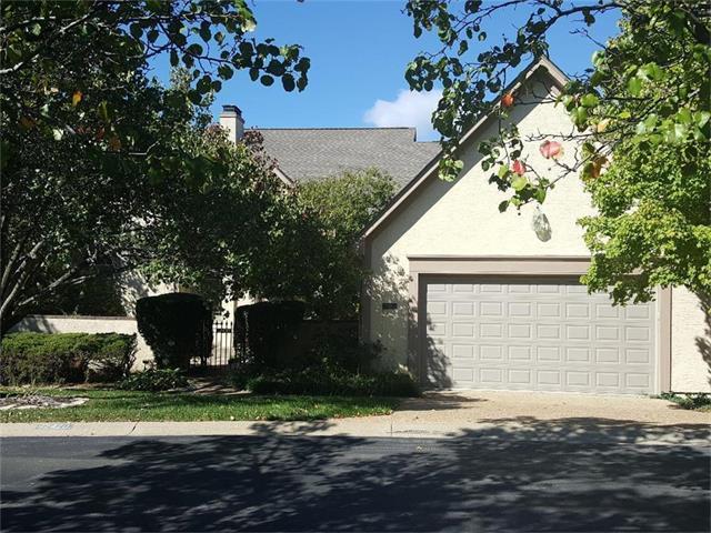 12420 Linden Lane, Leawood, KS 66209 (#2076009) :: The Shannon Lyon Group - Keller Williams Realty Partners