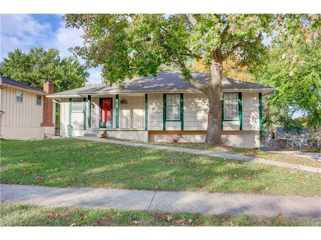 1202 SW Highland Drive, Lee's Summit, MO 64081 (#2076062) :: Select Homes - Team Real Estate