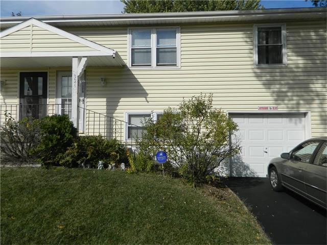 1326 E 152 Terrace, Olathe, KS 66062 (#2076200) :: The Shannon Lyon Group - Keller Williams Realty Partners