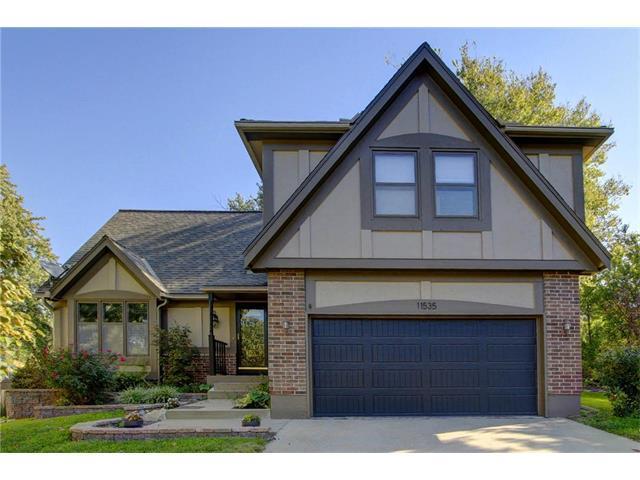 11535 Lennox Street, Olathe, KS 66061 (#2076229) :: The Shannon Lyon Group - Keller Williams Realty Partners