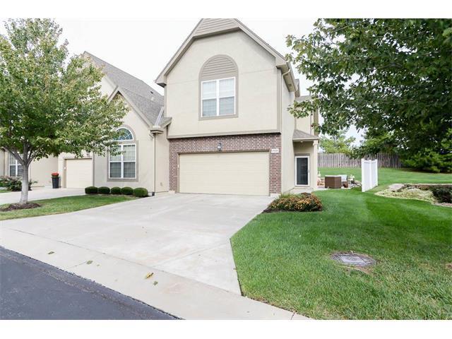 15520 W 61st Street, Shawnee, KS 66216 (#2076232) :: The Shannon Lyon Group - Keller Williams Realty Partners