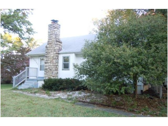 12753 Circle Drive, Shawnee, KS 66216 (#2076306) :: The Shannon Lyon Group - Keller Williams Realty Partners