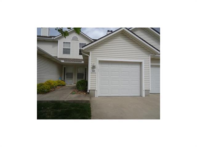 1325 SE Broadway Circle, Lee's Summit, MO 64081 (#2076969) :: Carrington Real Estate Services