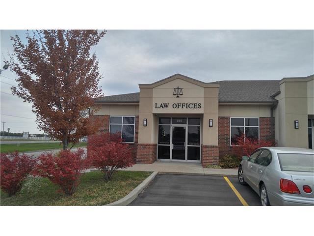 895 E Walnut Street, Raymore, MO 64083 (#2077612) :: Carrington Real Estate Services