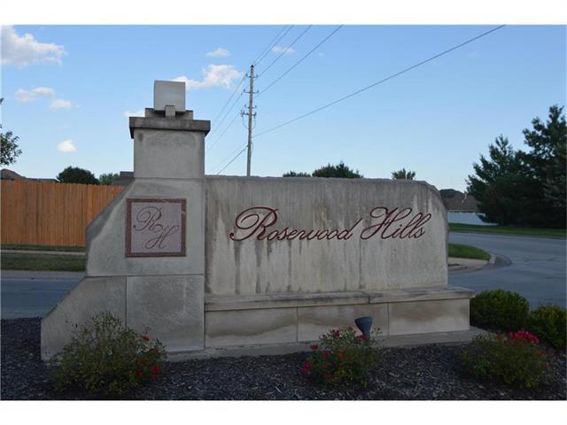 1290 NW Lindenwood Drive, Grain Valley, MO 64029 (#2078282) :: Team Dunavant