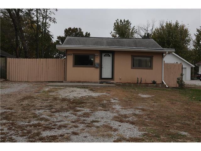3807 W 47th Street, Roeland Park, KS 66205 (#2078433) :: Char MacCallum Real Estate Group