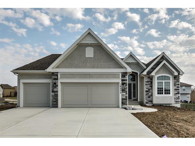 20930 S Barker Road, Spring Hill, KS 66083 (#2078935) :: Select Homes - Team Real Estate