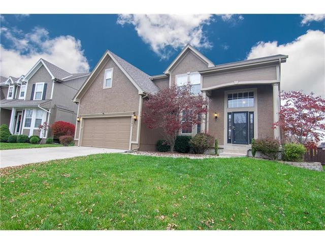 13301 W 137TH Place, Overland Park, KS 66221 (#2079137) :: NestWork Homes