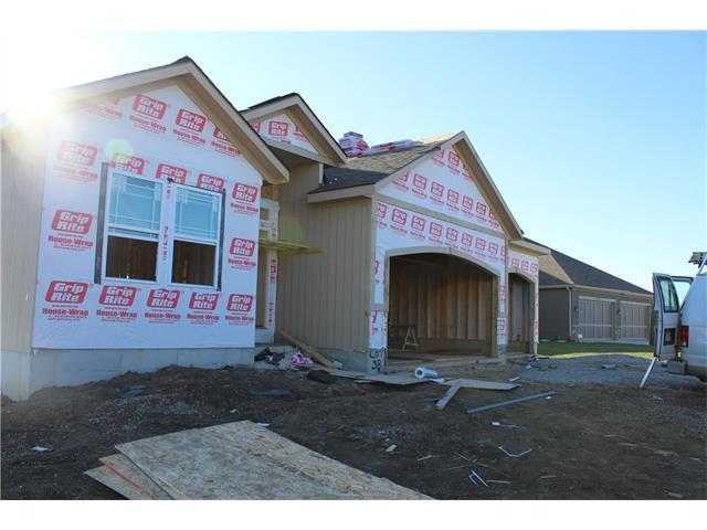 9301 SW Tsunami Court, Lee's Summit, MO 64064 (#2079760) :: NestWork Homes
