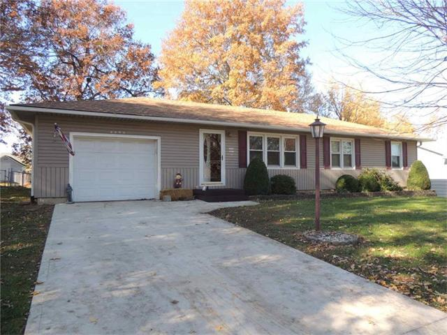 3200 Hickory Street, Higginsville, MO 64037 (#2079919) :: Char MacCallum Real Estate Group