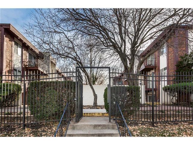 809 W 40th Street #16, Kansas City, MO 64111 (#2080492) :: Carrington Real Estate Services