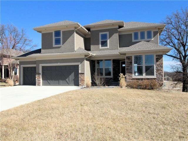 14520 S Glen Eyrie Street, Olathe, KS 66061 (#2080511) :: Edie Waters Network