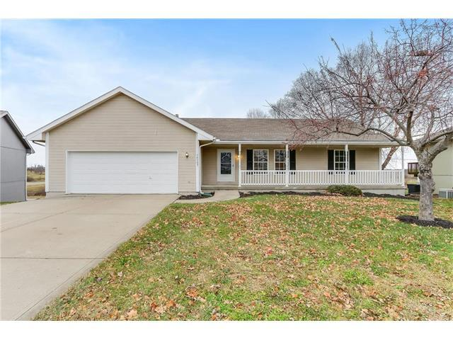19505 Ironwood Drive, Smithville, MO 64089 (#2082191) :: Tradition Home Group