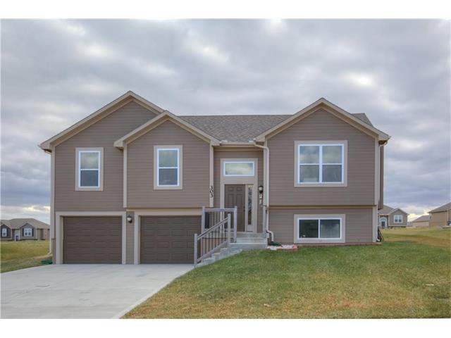 303 NE 193rd Street, Smithville, MO 64089 (#2082448) :: Tradition Home Group