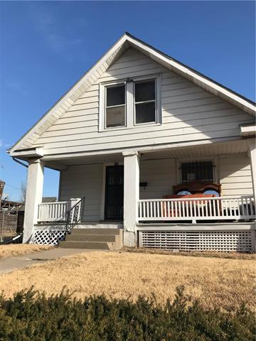 339 Wheeling Avenue, Kansas City, MO 64123 (#2082751) :: Edie Waters Team