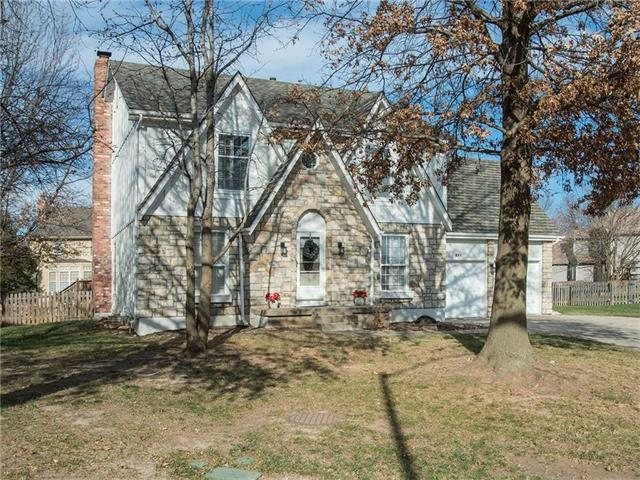 604 NE Ashmont Place, Lee's Summit, MO 64064 (#2083001) :: Tradition Home Group