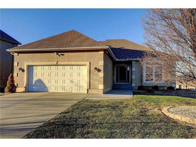 1814 NW 92nd Place, Kansas City, MO 64155 (#2083043) :: Tradition Home Group