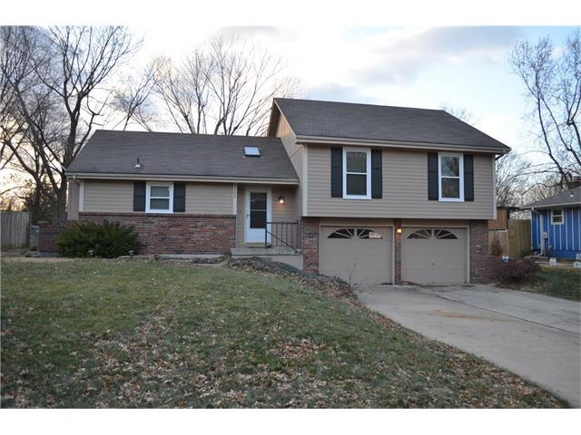 1205 SW 20th Street, Blue Springs, MO 64015 (#2083070) :: Tradition Home Group