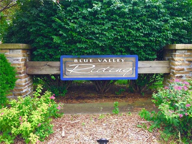 7000 W 164TH Terrace, Stilwell, KS 66085 (#2083090) :: Vogel Team