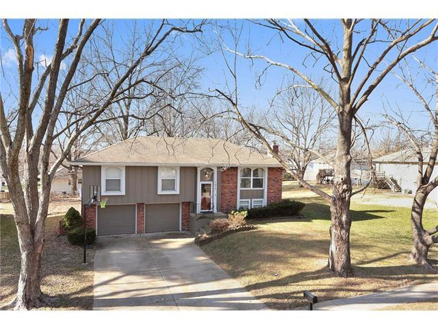 1917 NE 5th Street, Blue Springs, MO 64014 (#2083243) :: Tradition Home Group