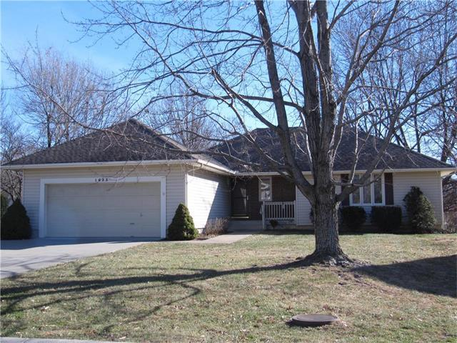 1633 NE Westwind Drive, Lee's Summit, MO 64086 (#2083247) :: Tradition Home Group