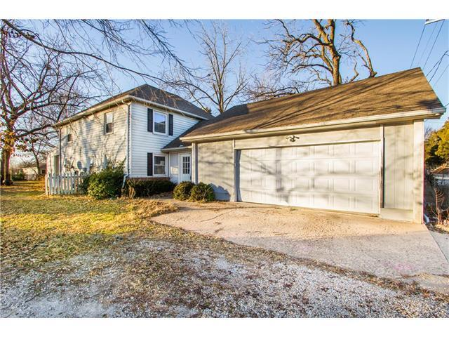 15490 Quivira Road, Overland Park, KS 66221 (#2083311) :: Vogel Team