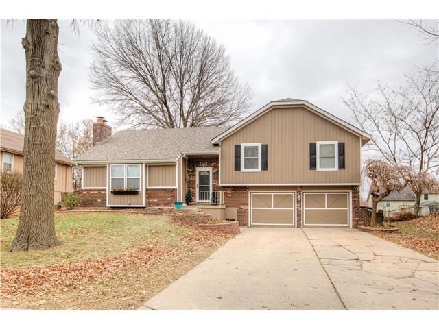 204 SE Saratoga Drive, Blue Springs, MO 64014 (#2083351) :: Tradition Home Group