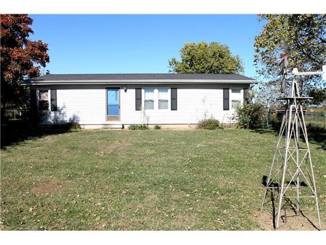 4850 W 319th Street, Louisburg, KS 66053 (#2083388) :: Tradition Home Group