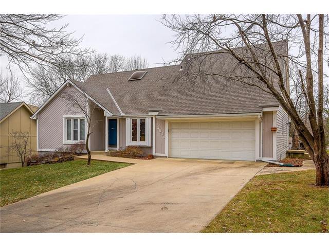 12838 Locust Street, Kansas City, MO 64145 (#2083406) :: Tradition Home Group