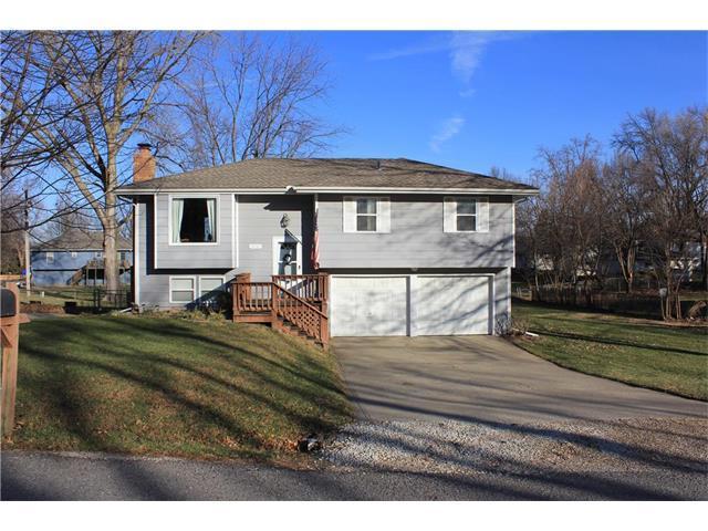 818 NE 115th Street, Kansas City, MO 64155 (#2083439) :: Tradition Home Group